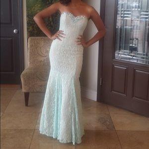 Dresses & Skirts - Aqua Trumpet Silhouette Gown